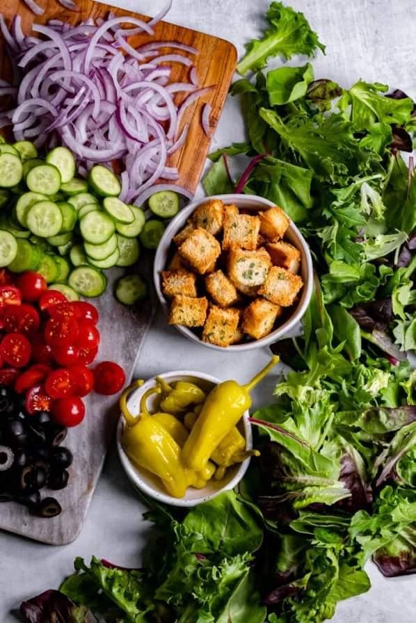 Top-5-Vegan-Salad-Dressings-Salad -toppings